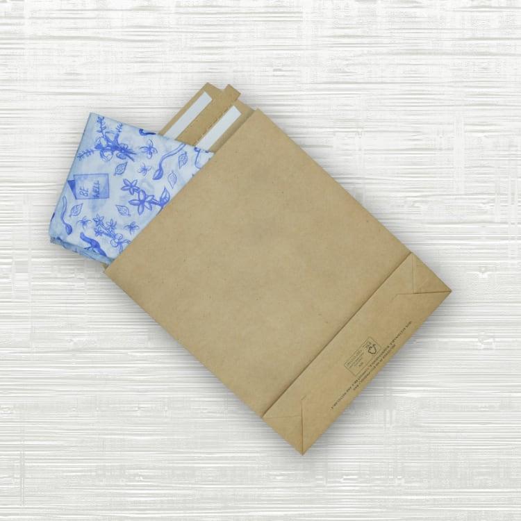 https://www.paperbagco.co.uk/paper-bags-wholesale/premium-paper-mailing-bags